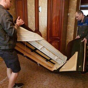 вынос старой мебели грузчиками